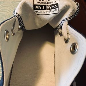Row One Shoes - NWOT- unisex women's 9.5 or Men's 8 ND Sneaks!